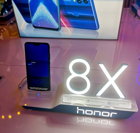 Honor-8X-parousiasi