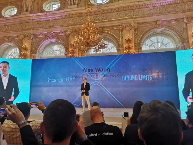 Honor-8X-prague-launch-03