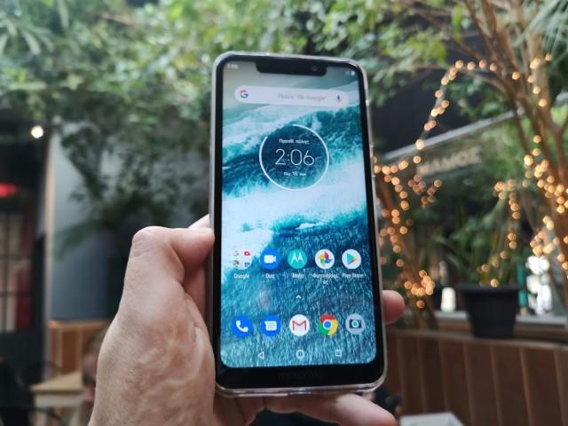 Motorola-One-Thiki2