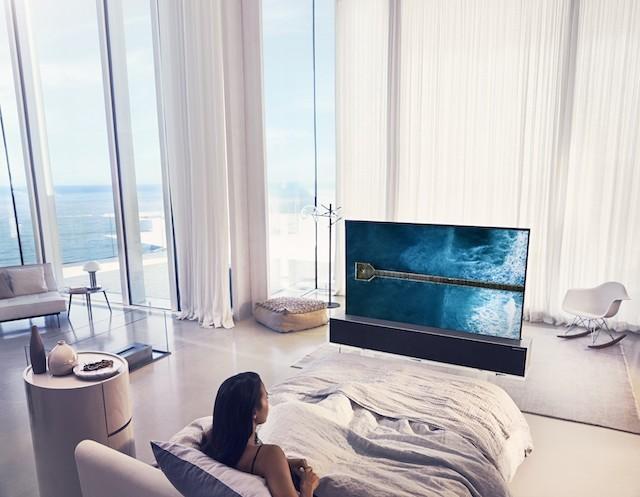 LG-OLED-TV-R-Full-02