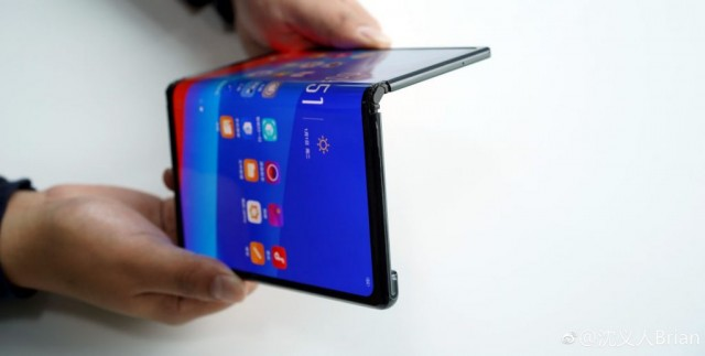 OPPO-foldable-phone-2