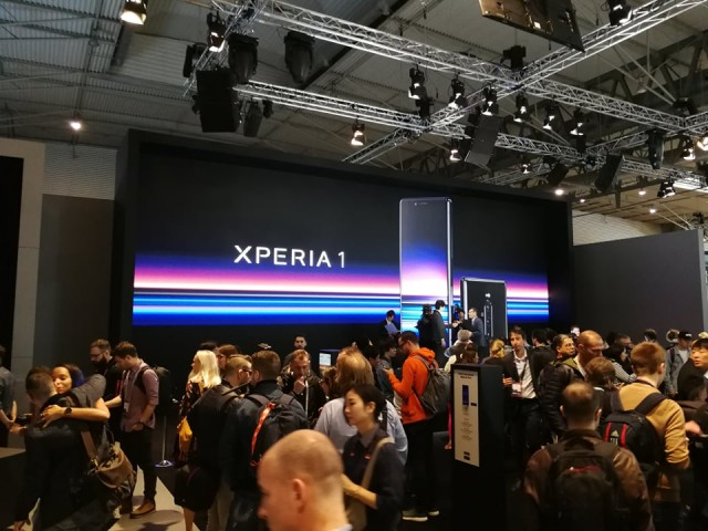 Xperia 1 hands-on 01
