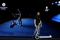 Η Segway-Ninebot παρουσίασε ηλεκτρικό πατίνι (e-scooter), το οποίο μεταβαίνει μόνο του στον σταθμό φόρτισης!