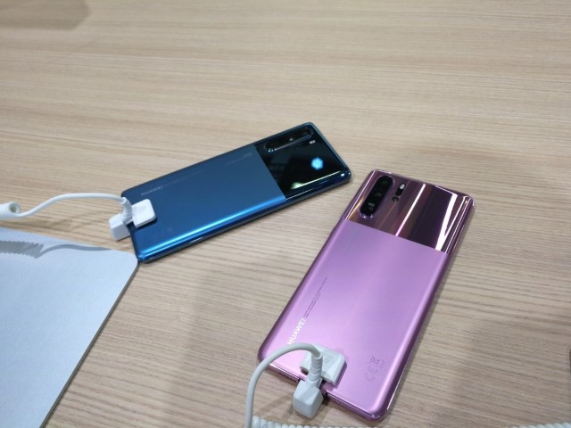 P30 Pro New Colors 01