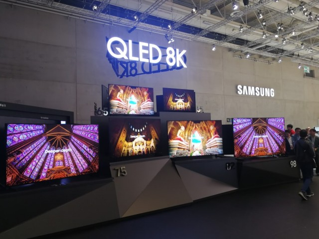 Samsung Booth Tour (7)