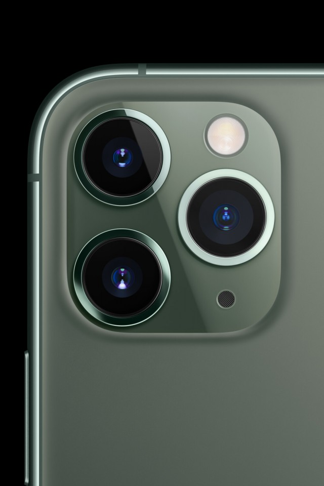 iphone-11-pro-triple-camera-focused