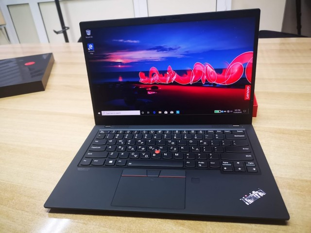 Lenovo ThinkPad X1 Carbon03