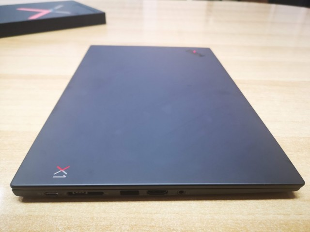 Lenovo ThinkPad X1 Carbon06
