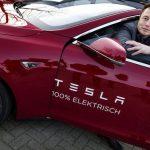 Elon Musk Tesla (1)
