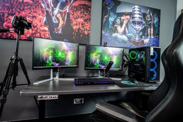 Gamers desk