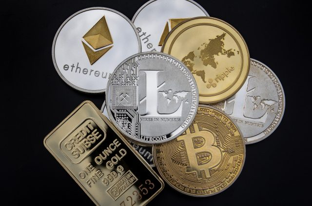 cryptocurrency-3409725_1920